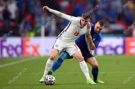 Marco Verratti of Italy (R) in action against Mason Mount of England during the UEFA EURO 2020 final between Italy and England in London, Britain, 11 July 2021.