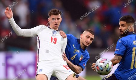 Marco Verratti (C) and Lorenzo Insigne (R) of Italy in action against Mason Mount of England during the UEFA EURO 2020 final between Italy and England in London, Britain, 11 July 2021.