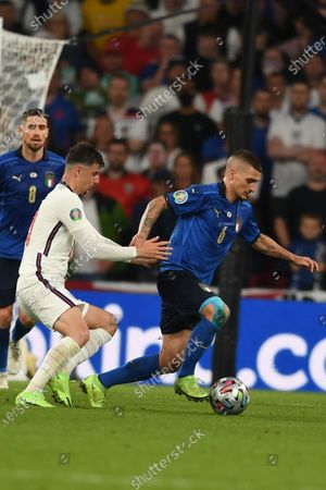 """Marco Verratti (Italy)Mason Mount (England)                     during the Uefa  """"European Championship 2020 Finals match between  Italy 4-3 England  at Wembley Stadium in London, England."""