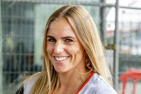 Sailor Marit Bouwmeester is leaving from Schiphol Airport for Tokyo. The handball team, the sailors, the badminton players and the staff of TeamNL, among others, board the plane chef du mission.