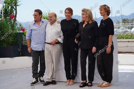 Benoit Magimel, Gabriel Sara, Emmanuelle Bercot, Catherine Deneuve and Cecile de France