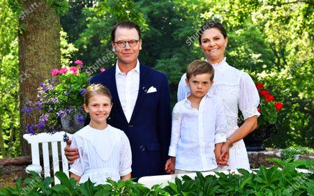(L-R) Princess Estelle, Prince Daniel, Swedish Crown Princess Victoria and Prince Oscar pose for a family photo during Crown Princess Victoria's birthday celebrations at Solliden Palace in Borgholm, Sweden, 14 July 2021.