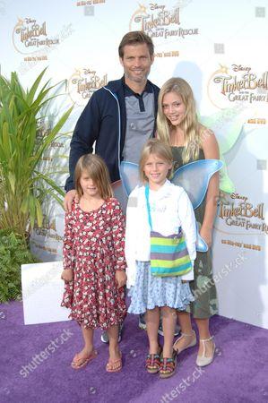 Casper Van Dien and family