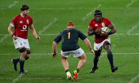 Maro Itoje of British & Irish Lions  (R) and Steven Kitshoff of South Africa  - Iain Henderson of British & Irish Lions  (L)