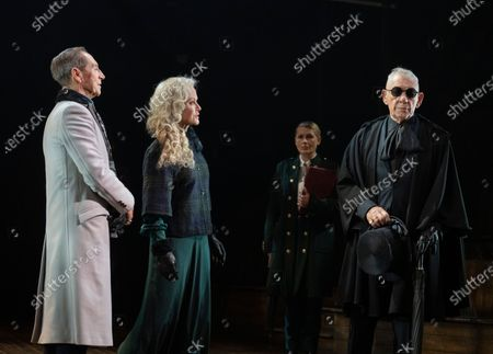 Jonathan Hyde as Claudius, , Jenny Seagrove as Gertrude, Ian McKellen as Hamlet