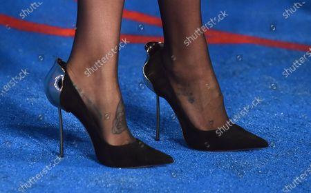 Kesha, shoe detail