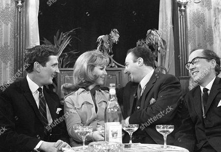 Jerome Willis, Wanda Ventham, Reginald Marsh and Bernard Hepton.