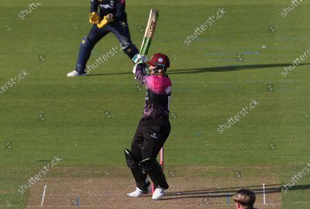 Steve Davies of Somerset batting.