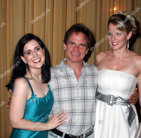 Stock Photo of Stephanie D'Abruzzo, Peter Scolari, Jessica Tyler Wright