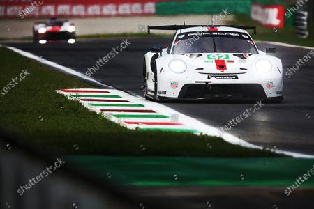 AUTODROMO NAZIONALE MONZA, ITALY - JULY 17: #92 Porsche GT Team Porsche 911 RSR - 19: Kevin Estre, Neel Jani at Autodromo Nazionale Monza on Saturday July 17, 2021 in Monza, Italy. (Photo by LAT Images)