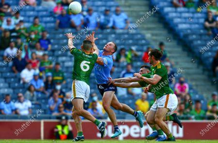 Dublin vs Meath. Dublin's Ciarán Kilkenny punches under pressure from Shane McEntee of Meath