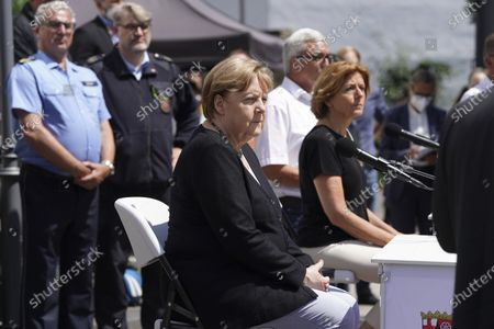 Flood disaster in Rhineland-Palatinate: Chancellor Angela Merkel with Prime Minister Malu Dreyer during a press statement at the town hall in Adenau after visiting the Eiffel Village Schult, which was severely hit by the underweather disaster