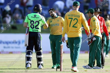 Ireland vs South Africa. South Africa's Tabraiz Shamsi shakes hands with Josh Little of Ireland after the game