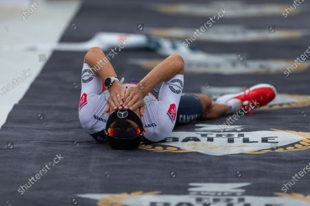 Jan Frodeno (GER) with world record (7:27:53 hours)