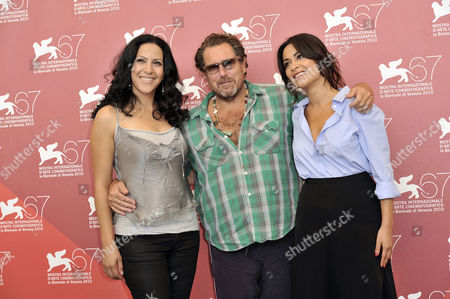 Ruba Blal, Director Julian Schnabel and Jasmine Al Massri