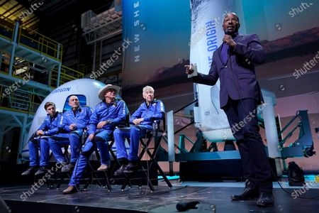 Van Jones, founder of Dream Corps., right, makes comments as Oliver Daemen, left, Mark Bezos, Jeff Bezos, founder of Amazon and space tourism company Blue Origin and Wally Funk, second from right, look on following the flight of the New Shepard rocket from the spaceport near Van Horn, Texas, . Jones was awarded a Courage and Civility award during the briefing