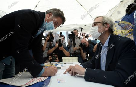 Editorial photo of Matteo Renzi signs for the referendum on Justice at the Radicals' banquet, Rome, Italy - 21 Jul 2021