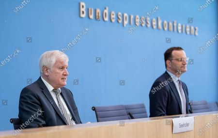 Horst Seehofer, German Minister of the Interior, and Jens Spahn, Federal Minister of Health, at the Presentation of the National Reserve Health Protection in the Federal Press Conference on July 21, 2021 in Berlin. Federal Interior Minister Horst Seehofer (CSU) and Federal Health Minister Jens Spahn (CDU) at the presentation of the National Reserve for Health Protection at the Federal Press Conference on 21.07.21 in Berlin.