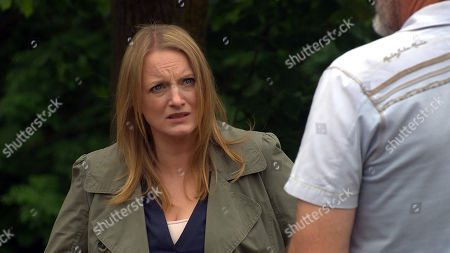 Stock Image of Emmerdale - Ep 9119 Thursday 5th August 2021 - 2nd Ep Jimmy King, as played by Nick Miles, and Nicola King, as played by Nicola Wheeler, are still lying to the kids aware they need to tell them they've split up. Nicola suggests they wait until after Angel's birthday.