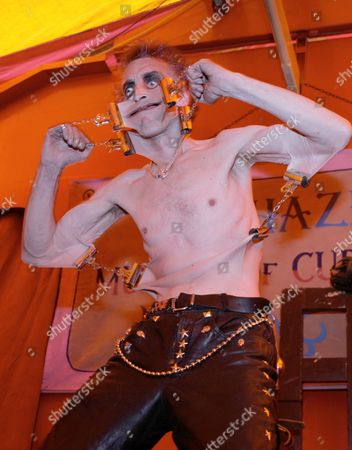Doktor Haze and The Circus of Horrors Freak Show  -Gary Stretch