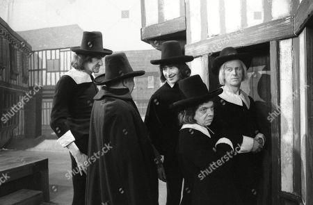 The Puritans, including Wallas Eaton and Johnny Vyvyan