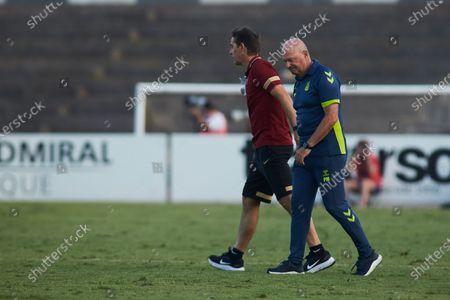 Pepe Mel, head coach of Las Palmas, and Julen Lopetegui, head coach of Sevilla, during friendly match between Sevilla Futbol Club and Union Deportiva Las Palmas at Municipal La Linea Stadium on July 22, 2021 in Cadiz, Spain.