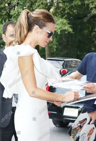 Stock Picture of Kate Beckinsale arriving back from The Tonight Show Starring Jimmy Fallon