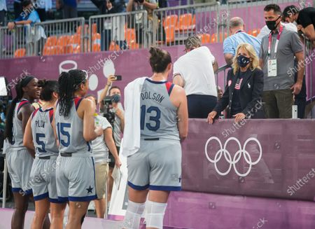 Stock Picture of (210724) - TOKYO, July 24, 2021 (Xinhua) - First Lady of the United States Jill Biden (2nd R) talks with the players of the United States after the women's 3x3 basketball pool round match between the United States and France in Tokyo, Japan, July 24, 2021.