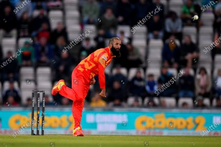 Moeen Ali of Birmingham Phoenix bowling during the The Hundred match between Southern Brave and Birmingham Phoenix at The Ageas Bowl, Southampton