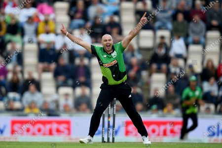 Jake Lintott of Southern Brave celebrates the wicket of Moeen Ali during the The Hundred match between Southern Brave and Birmingham Phoenix at The Ageas Bowl, Southampton