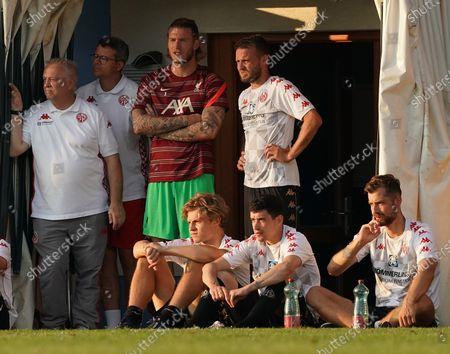 Stock Picture of Goalkeeper Loris Karius (Liverpool) with Daniel Brosinski (FSV Mainz 05), David Nemeth (FSV Mainz 05), Aaron Martin (FSV Mainz 05), Alexander Hack (FSV Mainz 05)