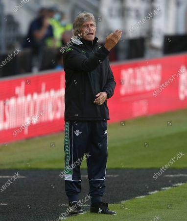 Real Betis manager Manuel Pellegrini