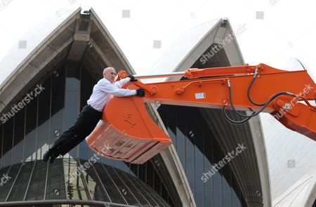 Editorial image of Digger dance at Sydney Opera House, Sydney, Australia - 09 Sep 2010