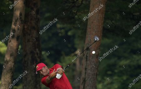 Jhonattan Vegas of Venezuela hits a tee shot on the 5th hole during the second round of the men's golf event at the 2020 Summer Olympics, at the Kasumigaseki Country Club in Kawagoe, Japan