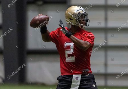 New Orleans Saints quarterback Jameis Winston (2) throws a pass during NFL football training camp in Metairie