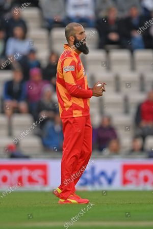 Moeen Ali (Birmingham Phoenix) setting his field during the The Hundred match between Southern Brave and Birmingham Phoenix Women at the Ageas Bowl, Southampton