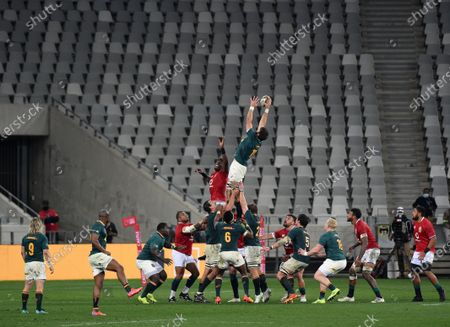 Lood de Jager - South Africa replacement lock wins a lineout against Maro Itoje - British & Irish Lions lock.