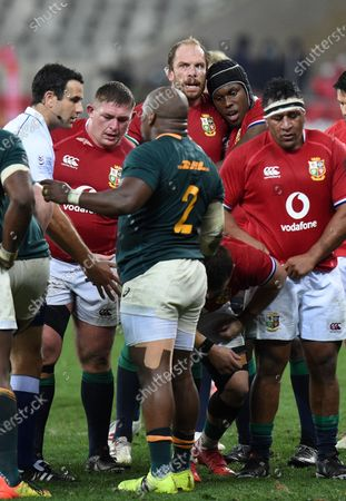 Alun Wyn Jones - British & Irish Lions captain and fellow lock Maro Itoje perpare to pack down against the Springbok forwards.