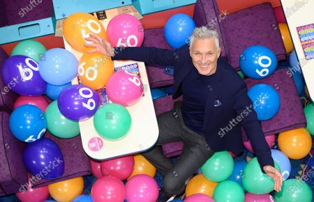 Mecca Rosehill celebrates its 60th birthday with a special guest appearance from Martin Kemp, who also turns 60 this year. Trying his hand at bingo calling, participating in a game or two, before a spectacular balloon drop to kick off the night's entertainment.