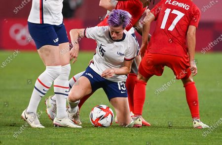(210802) - IBARAKI, Aug 2, 2021 (Xinhua) - Megan Rapinoe of the United States competes during the women's football semifinal match between the United States and Canada at Tokyo 2020 Olympic Games in Ibaraki, Japan, Aug 2, 2021.