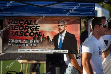 Organizers and supporters for the Recall George Gascon campaign rally at Central Park in Santa Clarita on Thursday, July 29, 2021 in Santa Clarita, CA.(Jason Armond / Los Angeles Times)