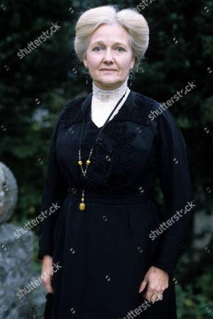 Polly Adams as Florence Chapman