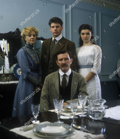 Rosalind Ayres as Mary MacFell, Lloyd Owen as Charlie MacFell, Victoria Scarborough as Betty MacFell and Tom Bell as Edward MacFell