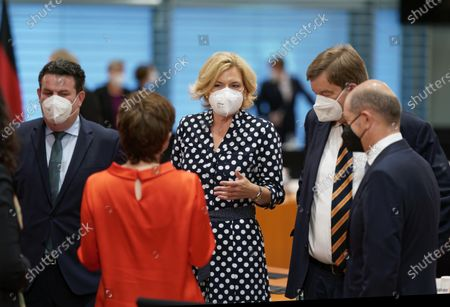 Federal Minister for Labour and Social Affairs Hubertus Heil (SPD) and Minister of Agriculture Julia Kloeckner (CDU) and Finance Minister Olaf Scholz (SPD) before the cabinet meeting in Berlin