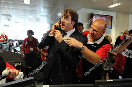 Editorial image of Bgc Bankers During Their Charity Day Jonathon Ross On The Trading Floor Picture Jeremy Selwyn 11/09/2009