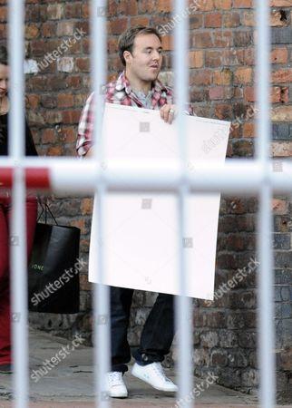 Alan Halsall with a giant card for William Tarmey
