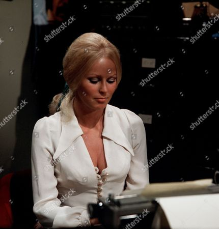 Episode 1- Spyder Secures a Main Strand - Veronica Carlson