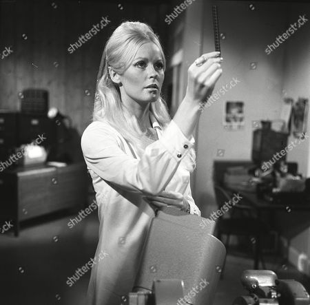 Episode 2 - the Red Admiral - Veronica Carlson