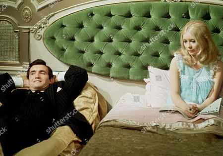 Episode 8 - Life at a Price - Anthony Ainley and Veronica Carlson