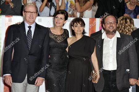 Stock Picture of Richard Jenkins, Julia Roberts, Elena Arvigo